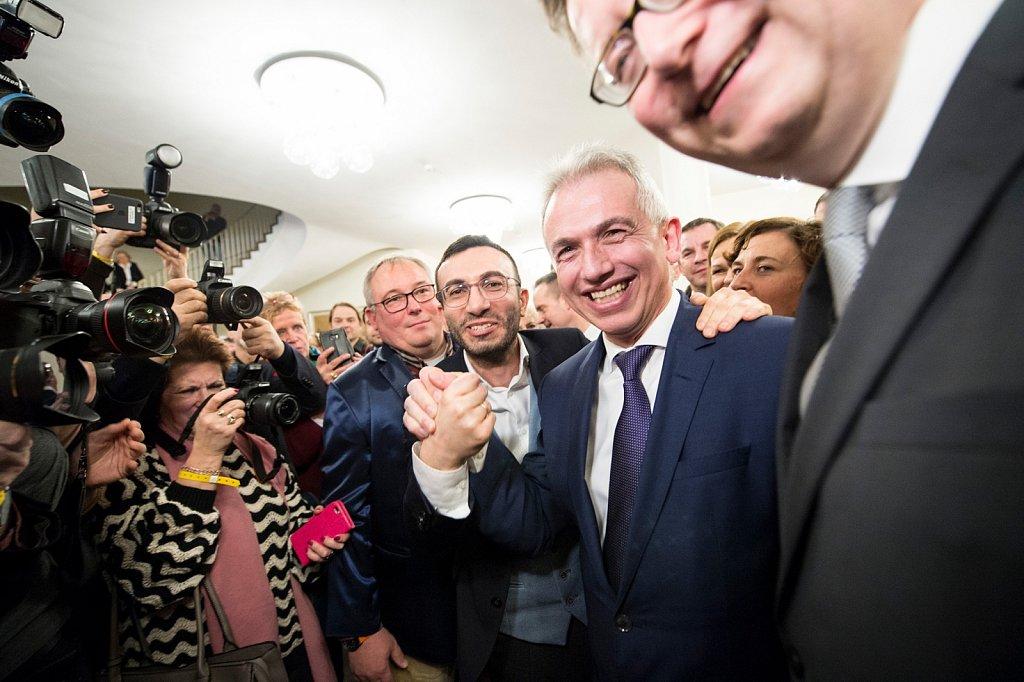 Im Amt bestätigt - Oberbürgermeister Peter Feldmann erzielt mit 70,8 Prozent einen klaren Sieg gegen seine Herausforderin.